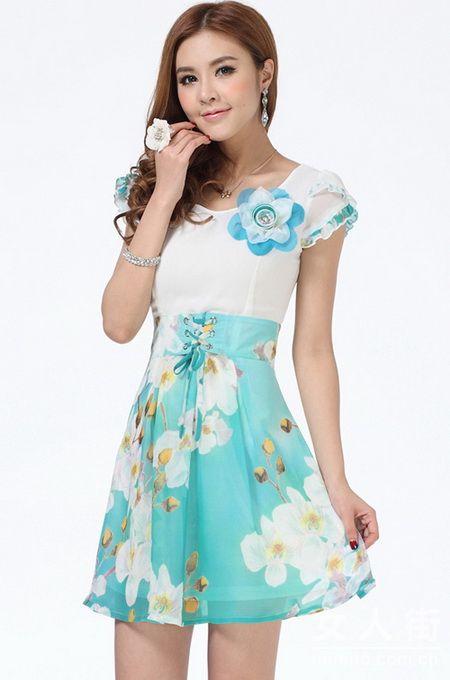 韩款印花连衣裙 抢美夏季俏佳丽